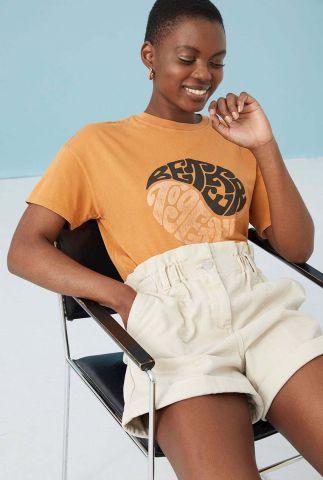 oranje t-shirt met tekst opdruk van biologisch katoen ts together
