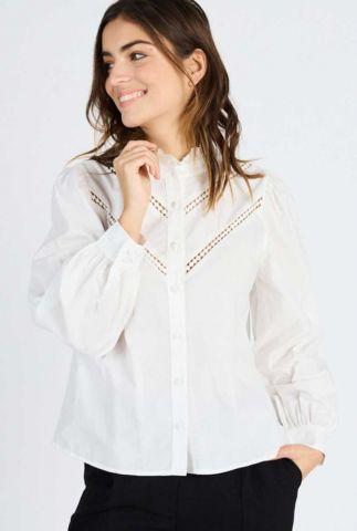 witte blouse met hoge hals en opengewerkte details kristal 60092