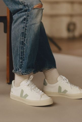 witte sneakers met suede v-detail campo chromefree cp052485