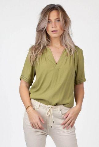 groene top met opengewerkte details cristy blouse s21.89.9841