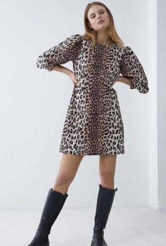 beige jurk met 3/4 pofmouwen en luipaardprint dr wild leopard