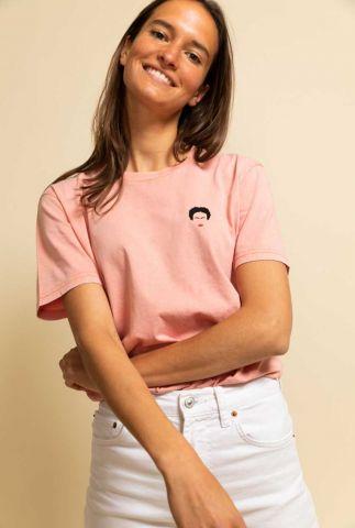 peach kleurig t-shirt met opdruk van Frida Kahlo frida t-shirt
