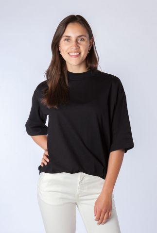 zwart t-shirt van biologisch katoen met hoge hals hanoi tee