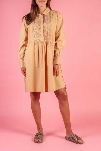 licht bruine jurk met opengewerkte details iselin tan