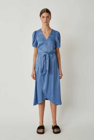 licht blauwe viscose wikkel jurk met korte mouwen julissa wrap dress