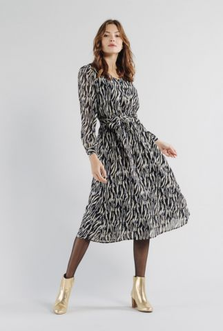 zwarte midi jurk met v-hals en ceintuur adrian 56212