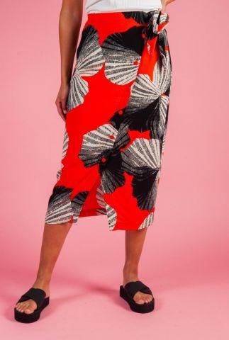 rode wikkelrok met grote bloemenprint kairi skirt 16071510