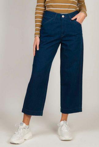 donker blauwe jeans met cropped flared pijpen carpenter l31hkeiv