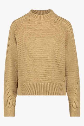 beige ribgebreide trui met hoge hals lagdelt knitted pull