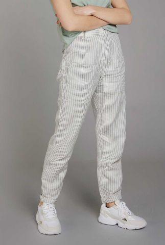 witte broek met streep dessin en grote zakken lila ticking trouser