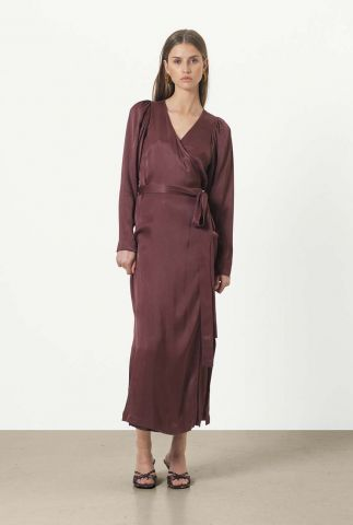 bordeaux rode zijdelook maxi jurk met overslag lily wrap dress