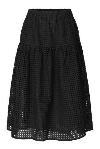 zwarte midi rok met a-lijn pasvorm en opengewerkte stof lyon skirt