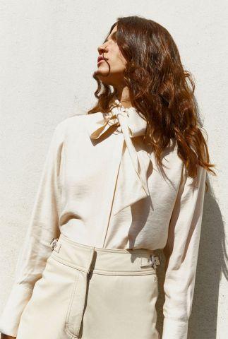 off-white viscose blouse met lange mouwen en strikhals 158888