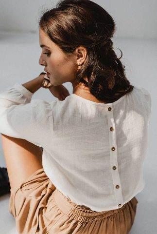 off-white blouse van linnen mix met knoop details blouse mansi