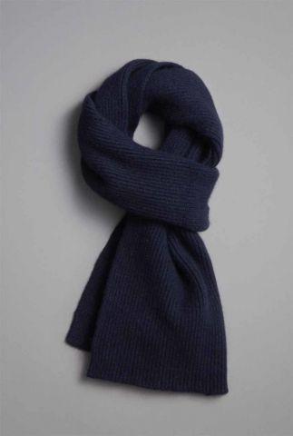 donkerblauwe sjaal van lamswol en duurzame angora midnight scarf