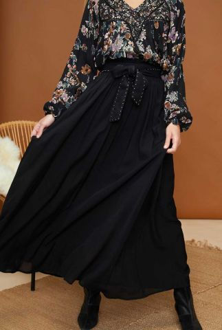 zwarte maxi rok met bijpassende riem met studs mishka noir