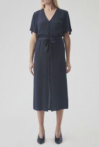 donker blauwe jurk met knoopsluiting en ceintuur basil dress