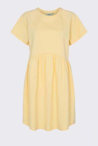 lichtgele katoenen jurk met ronde hals en wijde pasvorm bebo 2256