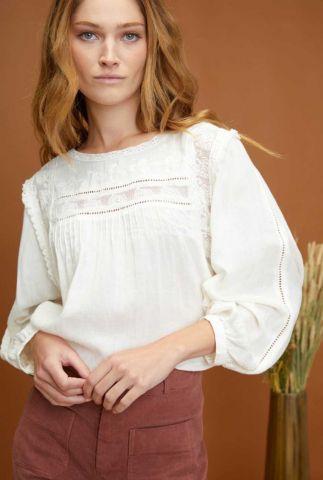 witte blouse met kanten inzetstukken neil young