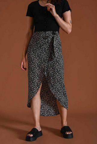 wikkel rok zwart met all-over bloemen dessin nene wrap skirt