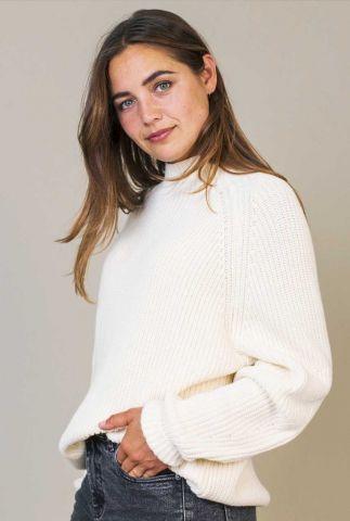 witte grof gebreide trui met opstaande kraag nila w21.121.2602