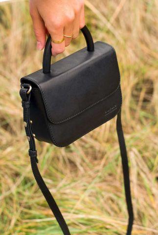 zwarte leren crossbody schoudertas nano bag omb-e137cv