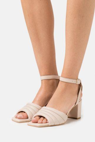 leren beige sandalen met hak met gespsluiting berne