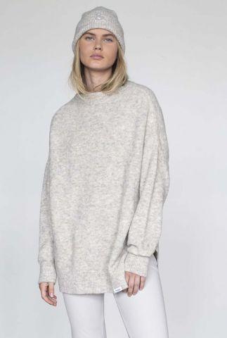 lichtgrijze oversized trui met lange mouwen en ronde hals w21l141