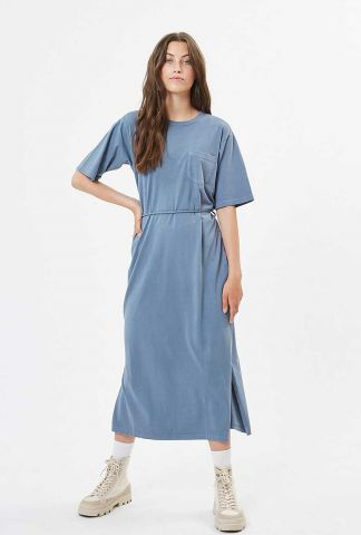 denim blauwe midi jurk met korte mouwen en ceintuur philine 6756