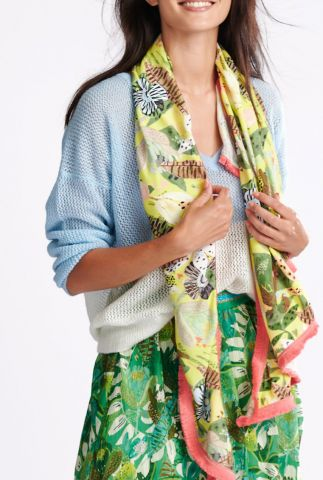 gele sjaal met jungle dessin en fel roze franjes jungle beats sp6428