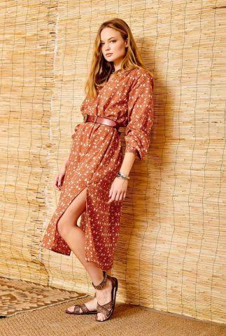 terracotta kleurige maxi jurk met ceintuur rimer