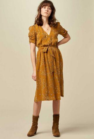 okergele cupro doorknoop jurk met strikceintuur roselili