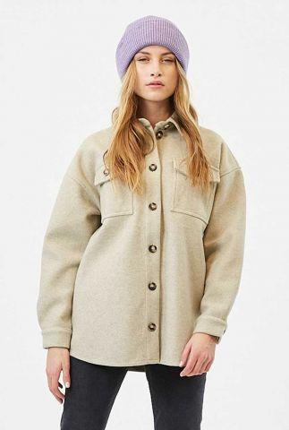 lichte oversized jas met klassieke kraag en knoopsluiting savisa 2220