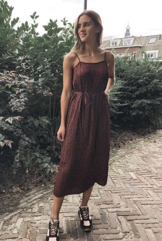 donker rode mouwloze jurk kinsley-tunni dress 16074220