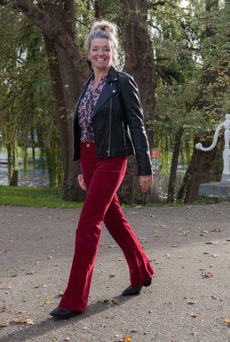 donker rode flare broek met rib dessin flare rumba W233A2R05
