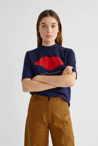 donker blauw t-shirt met rode opdruk beso navy mock wts00172