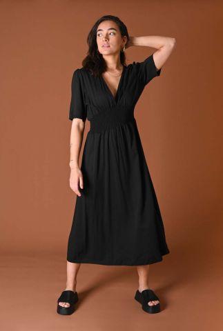 zwarte midi jurk met v-hals en gesmokte taille fenna dress black
