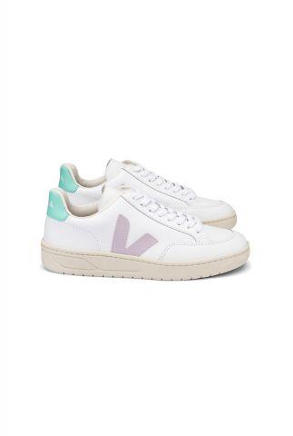 duurzame witte v-12 sneakers met pastelkleurige accenten xd022154